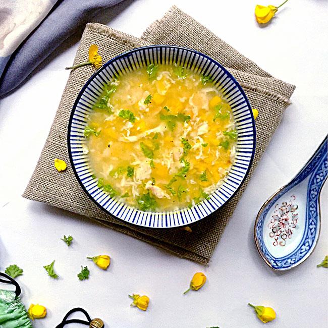 Soupe de poulet et maïs