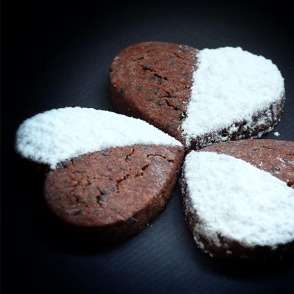 Biscuits moelleux cacao et sésame noir