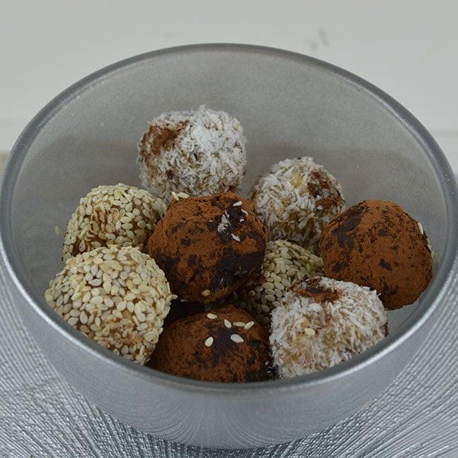 Blinis à la farine de châtaigne et compotée de figues sèches aux noix et épices