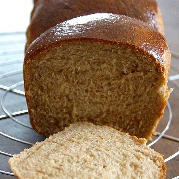 Brioche de Nanterre à la farine intégrale sans lait ni beurre