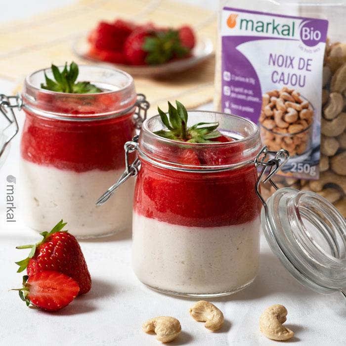 Panna cotta vegan au coulis de fraises