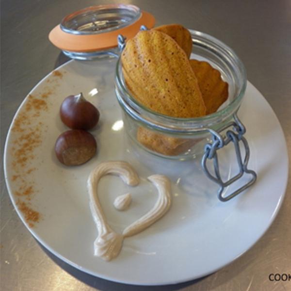 Madeleines de potimarron et noisettes, chantilly de crème de châtaignes