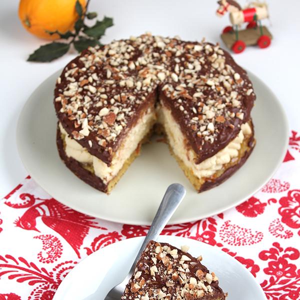 Gâteau à la crème à l'orange, génoise chocolat et amandes