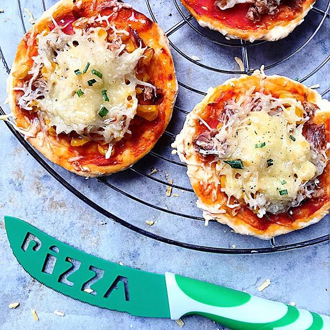 Mini pizzas express au thon et au maïs