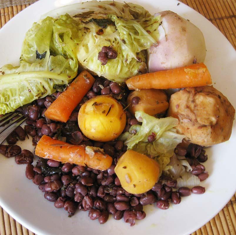Potée végétarienne au chou vert frisé et aux haricots rouges