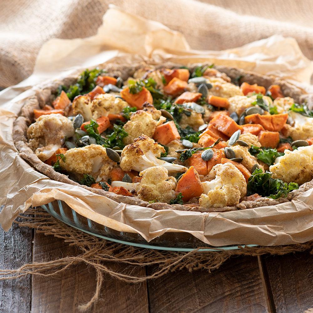 Tarte au chou-fleur, patate douce et kale