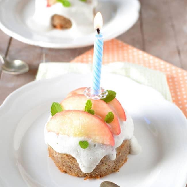 Petits gâteaux aux pêches blanches et crème de coco