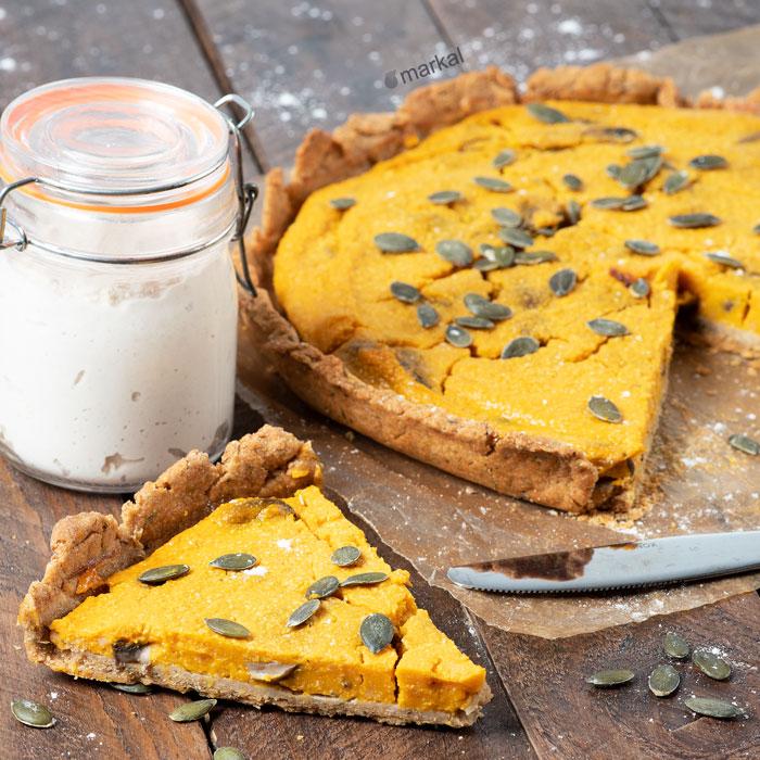 Tarte à la butternut, champignons et crème de cajou