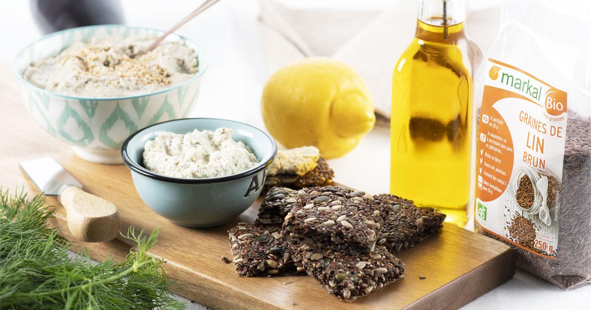 Cream cheese vegan, crackers et caviar d'aubergines