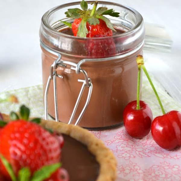 Tartelettes et verrines à la pannacotta chocolatée et fruits rouges