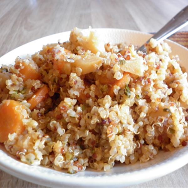 Duo de quinoa aux panais et carottes primeurs, coriandre et amandes