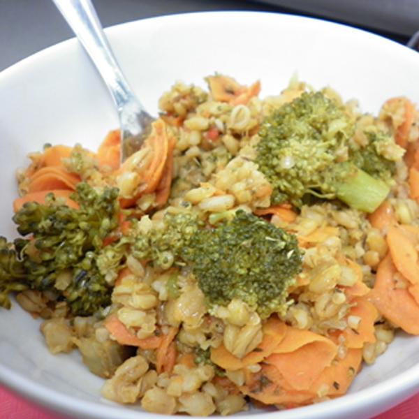 Poêlée de brocoli et de carotte à l'orge mondé