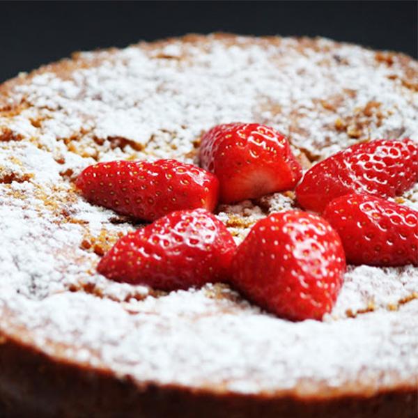 Gâteau aux fraises et polenta