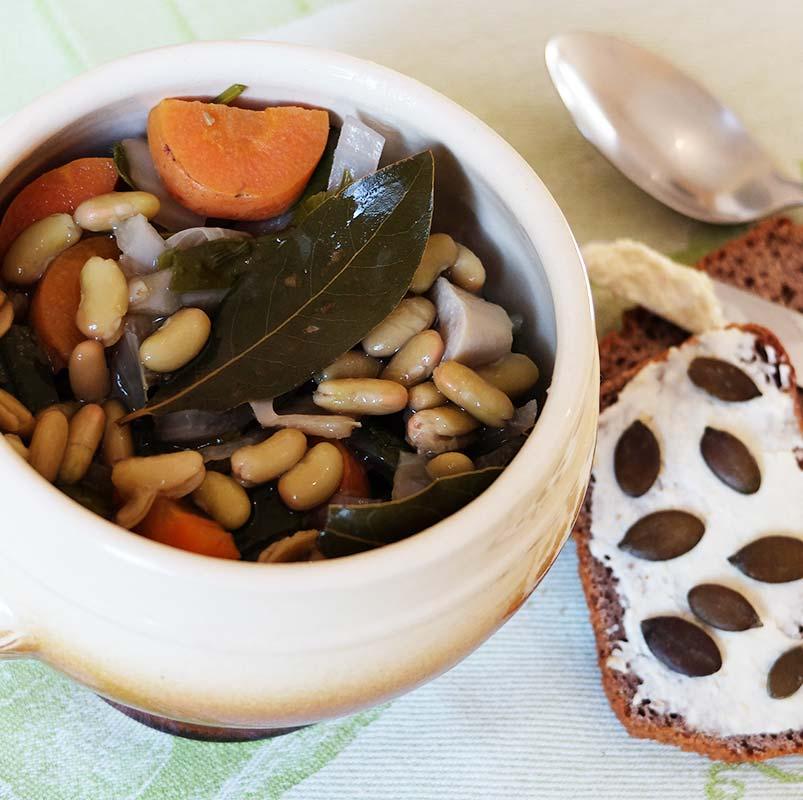 Soupe « repas » aux légumes racines et aux flageolets