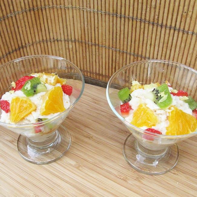 Crème riz-coco, fruits et géranium