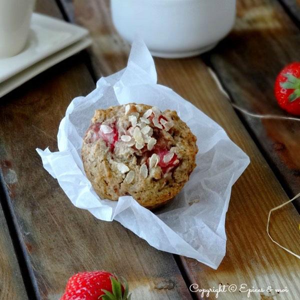 Muffins aux fraises et à la rhubarbe