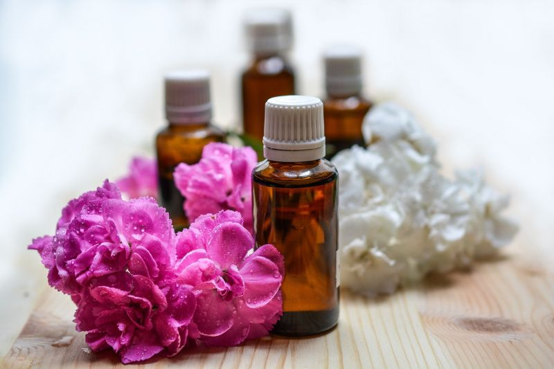 5 huiles essentielles et leurs bienfaits énergétiques  pour les beaux jours